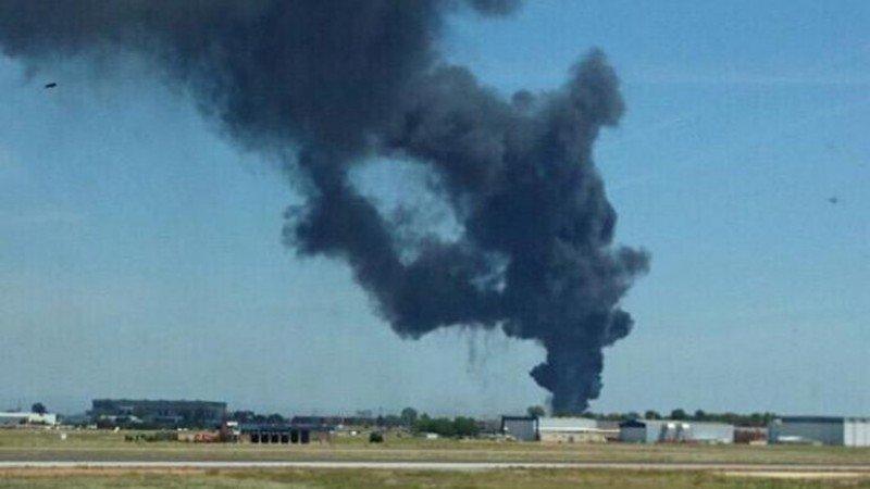 Cerrado el Aeropuerto de Sevilla tras estrellarse un Airbus militar en las inmediaciones