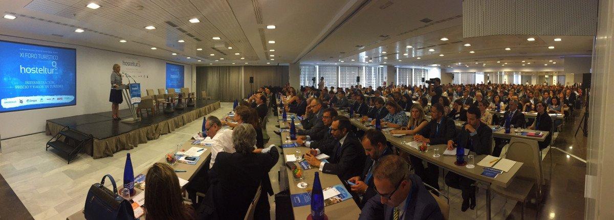 El foro contó con la asistencia de más de 400 participantes.
