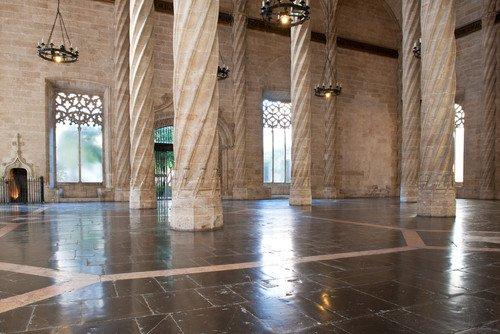 Para celebrar sus 20 años como Patrimonio de la Humanidad, la Lonja de la Seda de Valencia celebrará, en 2016, varias iniciativas que mostrarán la vinculación de la comunidad con la histórica ruta.  #shu#