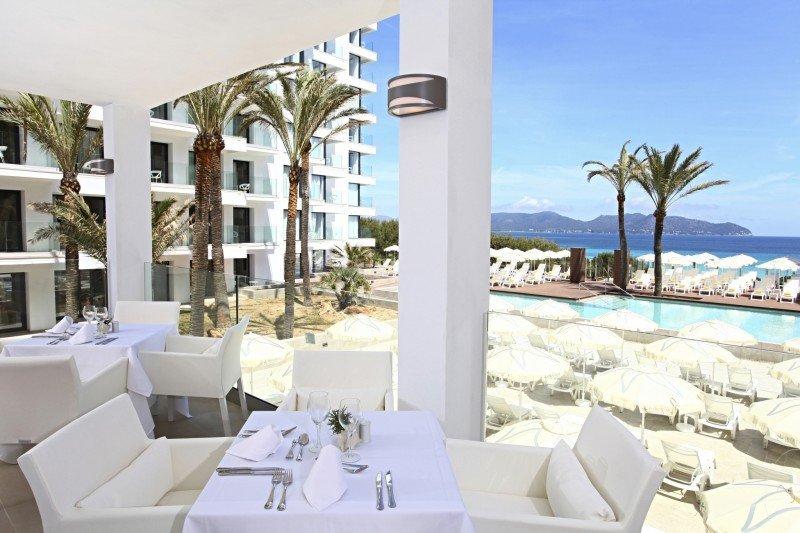 Iberostar incorpora un nuevo hotel de 4 estrellas en Cala Millor