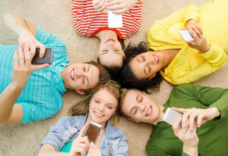 Las redes sociales se han convertido en parte de la vida habitual de los jóvenes. #shu#