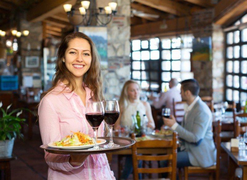 La hostelería crea un 7% más de empleos en Andalucía y Baleares. #shu#