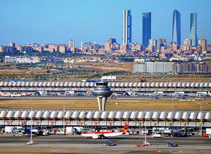Madrid-Barajas reabre su pista más larga y recupera su capacidad al 100%