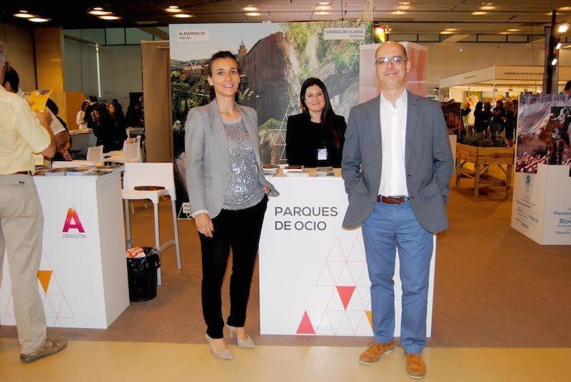 Representantes de la Asociación de Parques de Ocio de Aragón en la feria turística Aratur.