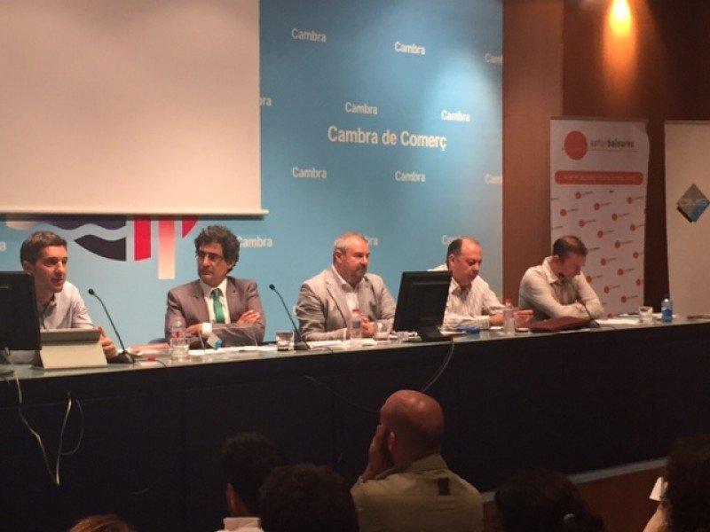 Participantes de las I Jornadas sobre Alquiler Vacacional de las Islas Baleares.