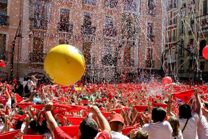 Los Sanfermines le han dado fama universal a Pamplona, desde que Ernest Hemingway la inmortalizara en una de sus novelas.