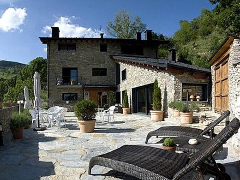 El hotel Sao, en Bescaran (Lleida), es uno de los 50 que comercializa Logis en España.