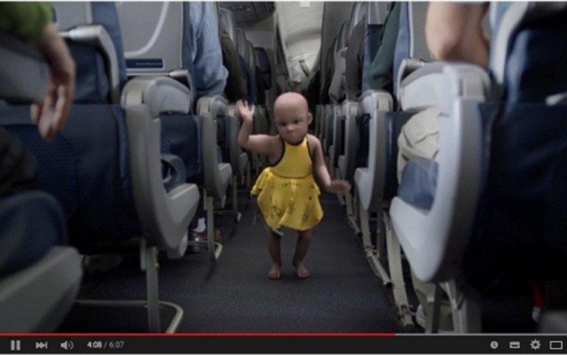 Seguridad aérea con humor