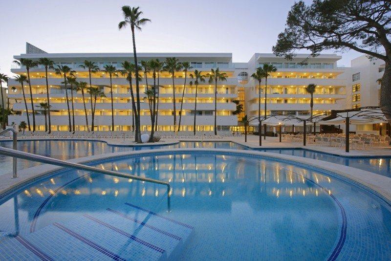 Iberostar invierte 15 M € en la renovación del hotel Royal Cristina