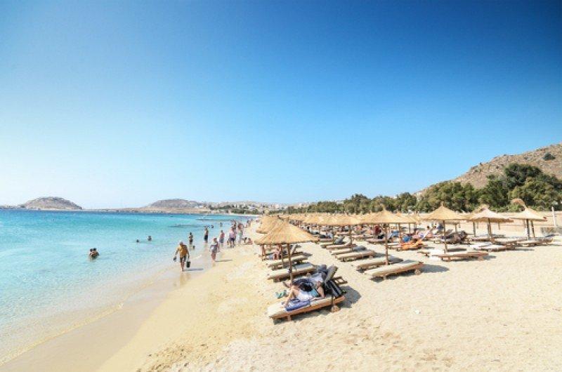 Una playa en la isla griega de Mykonos. #shu#
