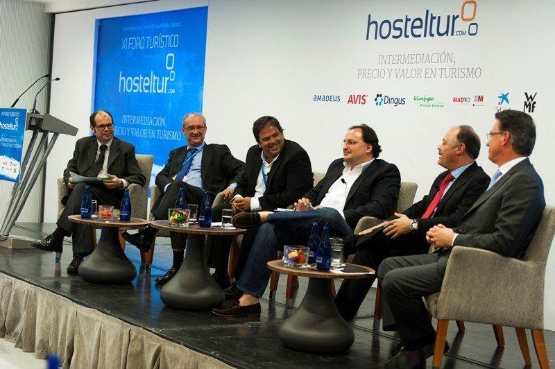 Los ponentes de la primera mesa del Foro Hosteltur del pasado 12 de mayo.