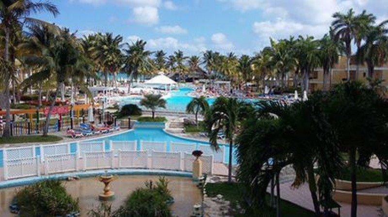 Cuba espera sobrepasar cifra récord de turistas en 2015 y aumentar ingresos