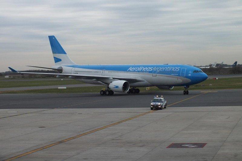 Aerolíneas Argentinas recibe autorización para volar a Europa con sus A-330-200