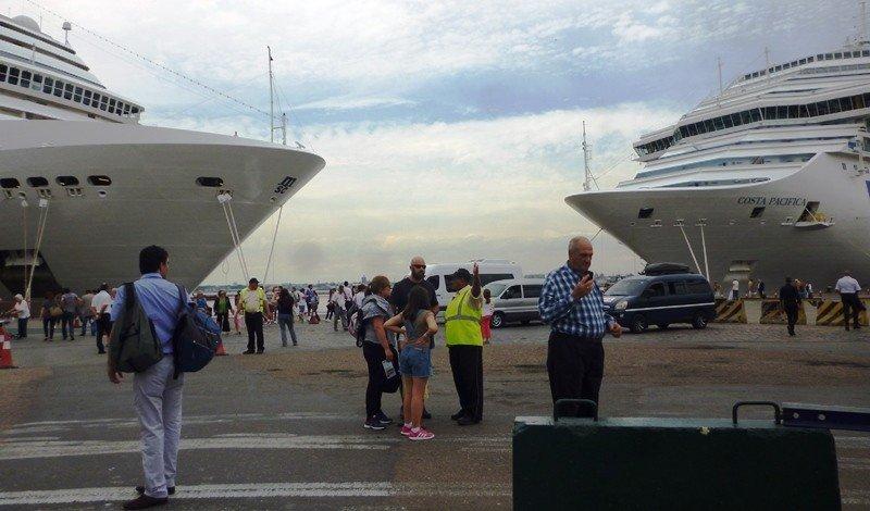 Cruceros en el puerto de Montevideo.