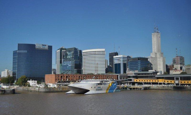 Cerca de 45.000 uruguayos ingresaron por agua a Buenos Aires y gastaron US$ 15,9 millones.