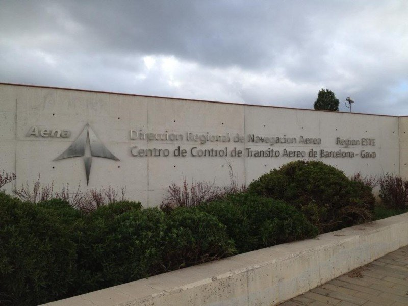 Centro de Control Aéreo de Barcelona, de donde han sido despedidos los 61 controladores aéreos.