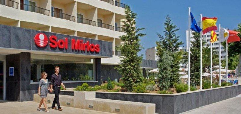 Meliá traspasa los siete hoteles vendidos a la joint venture con Starwood Capital. En l afoto de archivo, el Sol Mirlos en Palmanova, Mallorca.