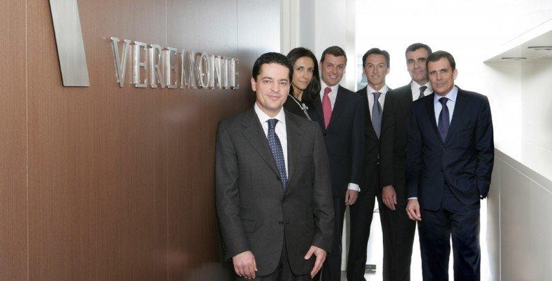 Enrique Bañuelos, con otros directivos del grupo Veremonte.