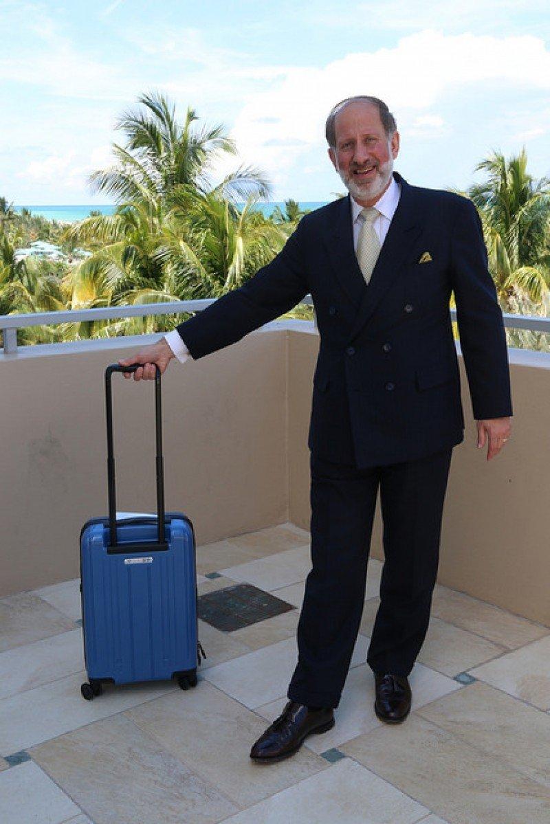 Según el vicepresidente de IATA para Aeropuertos, Pasajeros, Carga y Seguridad, Tom Windmuller, el nuevo tamaño permitirá una mejor experiencia a todos los pasajeros.