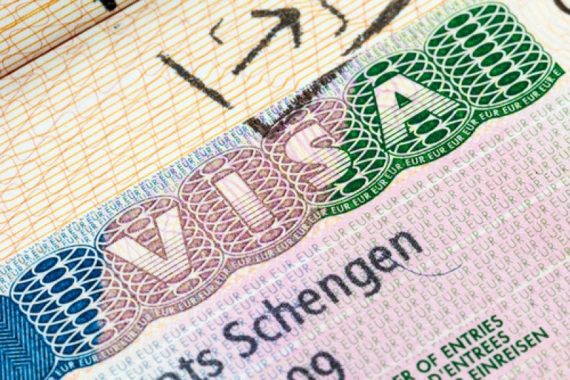 El visado Schengen para estancias inferiores a 90 días dejará de ser necesario para viajeros de Perú y Colombia, a partir de octubre. #shu#.