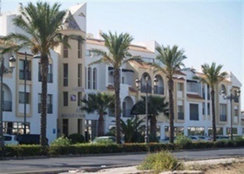 El Hotel ATH Roquetas de Mar sale a subasta tasado en más de 5 M €