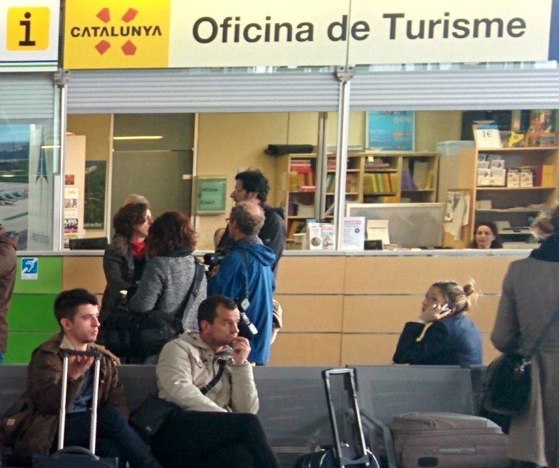 La oficina de turismo situada en la T2 del aeropuerto de Barcelona. En la T1 existe otra oficina.