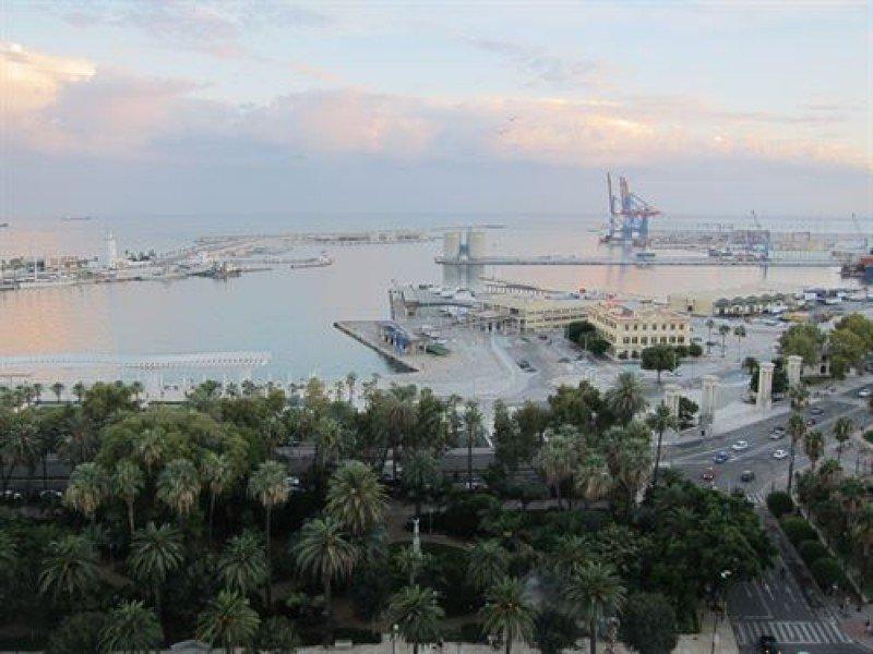 Inversores de Qatar construirán un hotel de 140 metros en el Puerto de Málaga