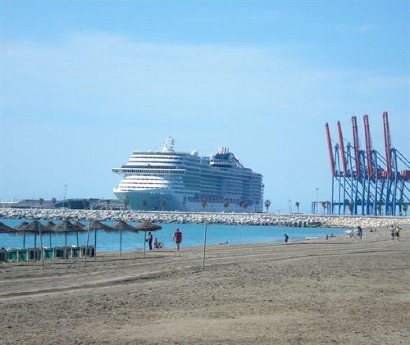 Málaga prevé cerrar 2015 con un 7% más de cruceros