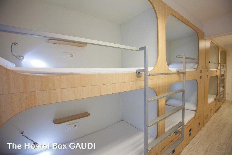 The Hostel Box Gaudí tiene habitaciones con capacidad hasta para 16 personas, de uso mixto.