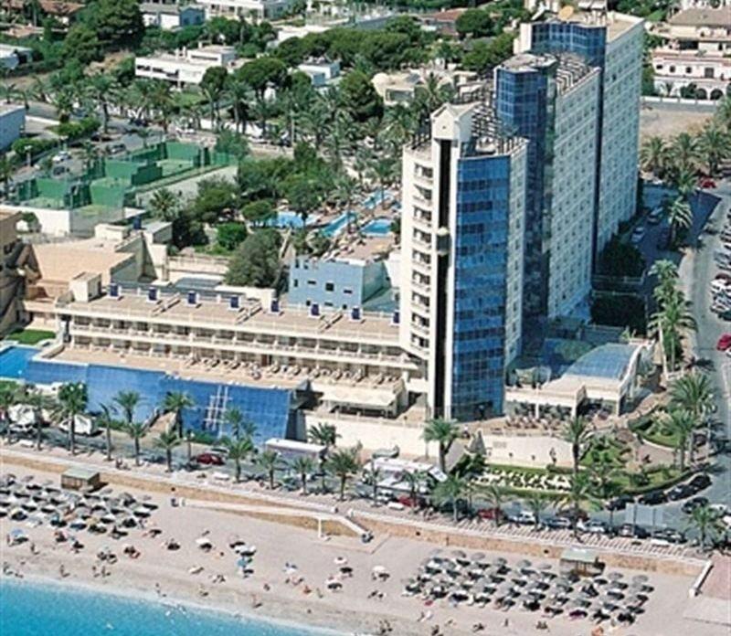 El hotel Portomagno de Aguadulce sale a subasta este jueves