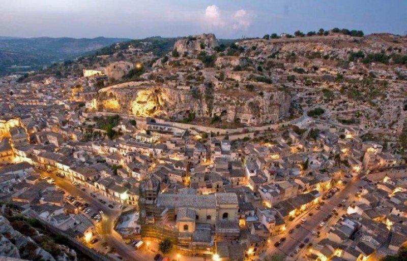 Un municipio italiano ofrece edificios gratis para hoteles o viviendas