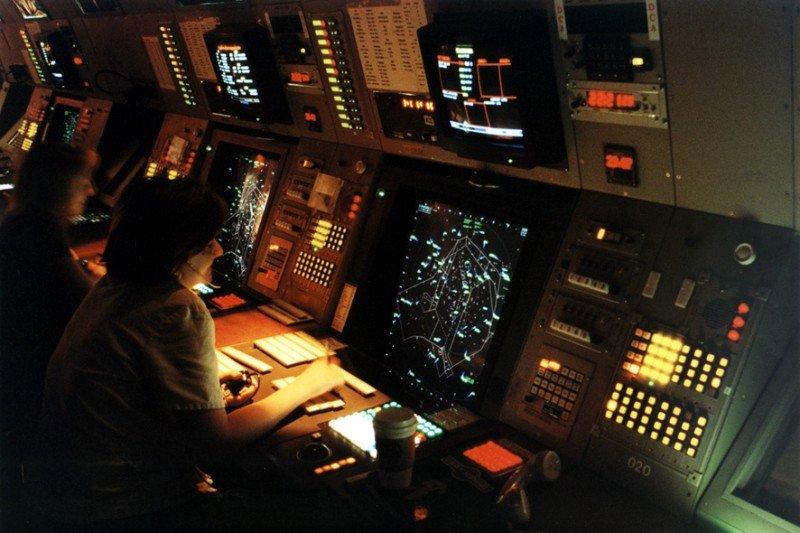 Los controladores convocan paros parciales para cuatro días de julio
