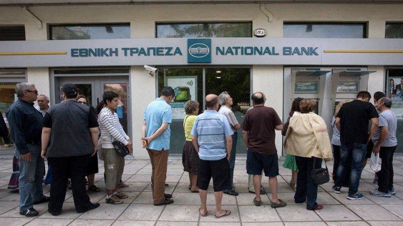 Las restricciones no afectan a los turistas, por lo que pueden seguir utilizando sus tarjetas de crédito y los cajeros con normalidad.