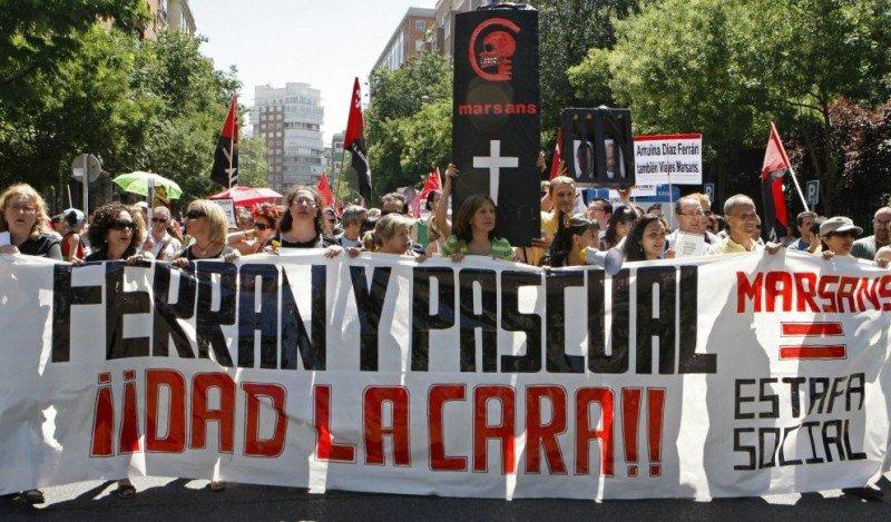 Manifestación en Madrid de trabajadores de Marsans en 2010.