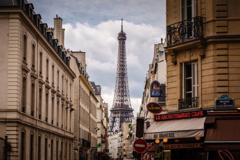 Según Booking.com los planes del gobierno francés de eliminar la paridad de tarifas hoteleras afectarán a la industria turística en general. #shu#