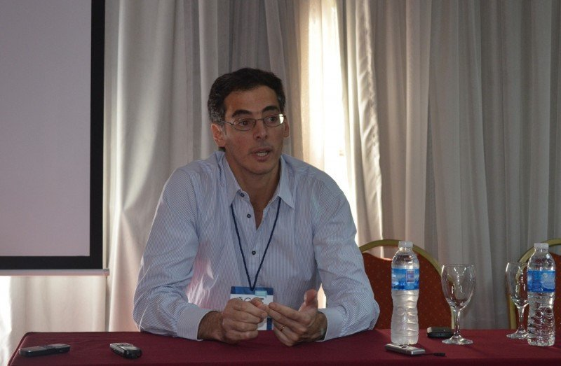 Federico Esper presentó la escuela de dirigentes que nace a partir de un convenio con FAEVYT.
