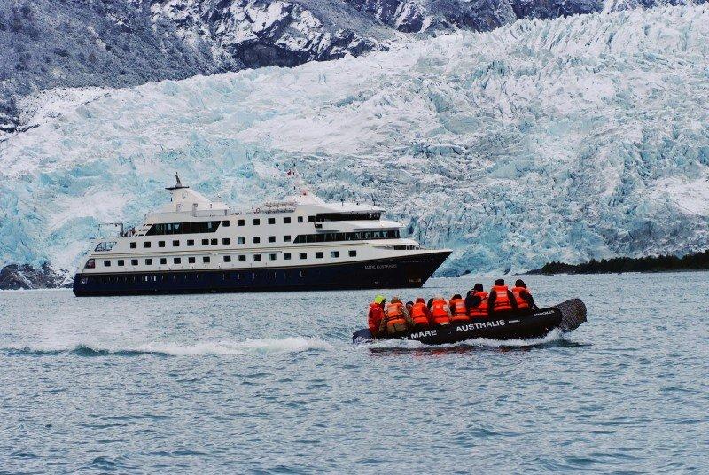 Arribo de cruceristas a Ushuaia cayó casi 9% en la temporada 2014-2015.