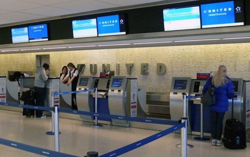 Embarque de United en el aeropuerto JFK.