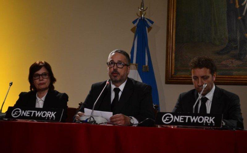 Marcela Cuesta (Coordinadora CFT); Pablo de Luca (Presidente CCGLAR); Roberto Palais (Secretario Ejecutivo INPROTUR).