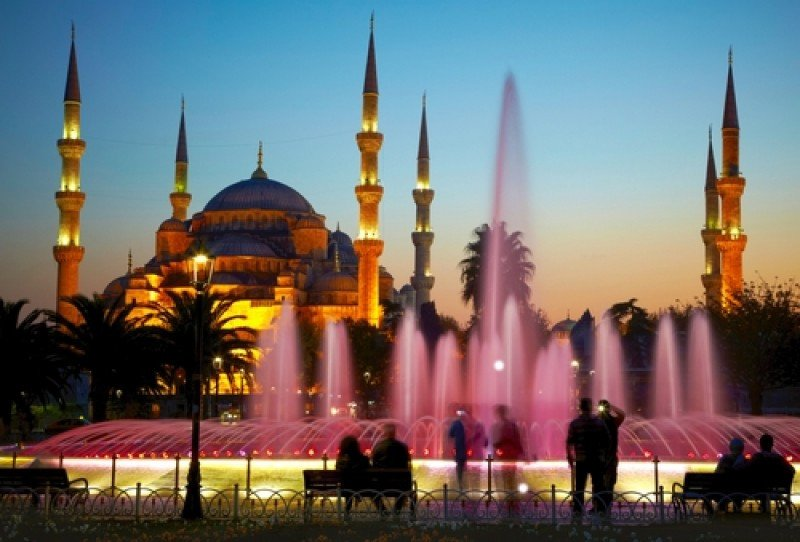 La Mezquita Azul, una de las maravillas que Estambul ofrece a los viajeros. #shu#