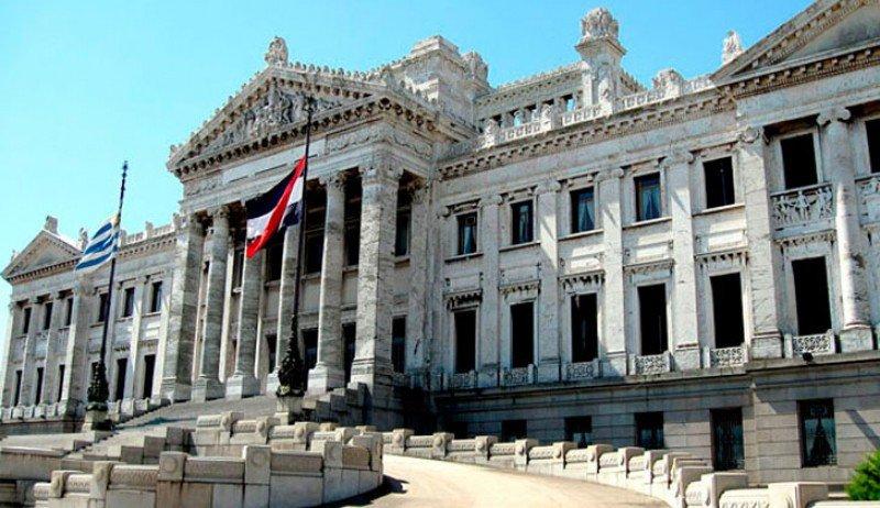 Parlamento de Uruguay evaluará cooperación turística con Armenia.
