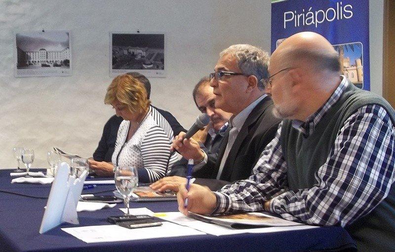 Luis Borsari al frente de una reunión de la CAMTUR. Foto: archivo.