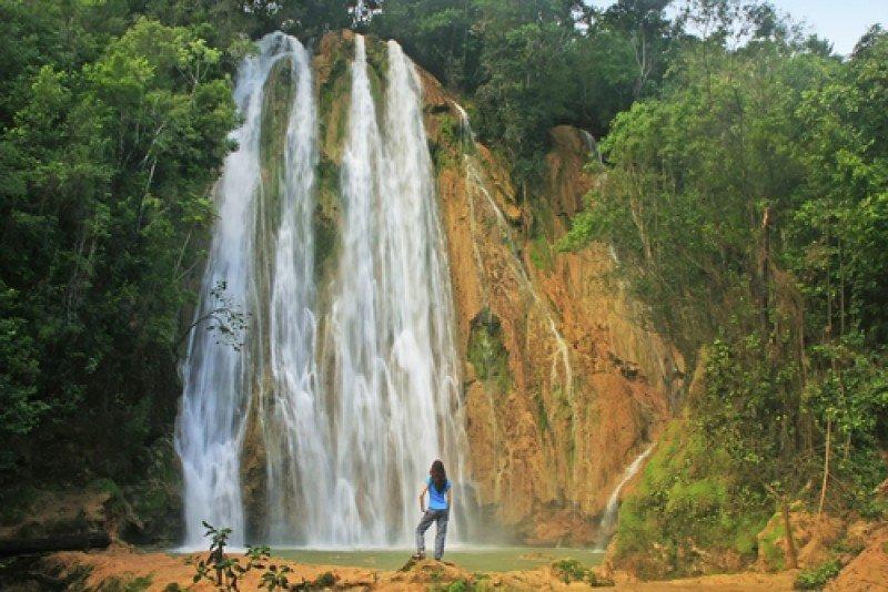Cascada El Limón, en Las Terrenas, uno de los paseos alternativos al turismo de sol  playa. #shu#