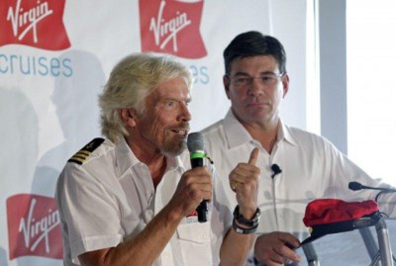 Richard Branson, CEO del Grupo Virgin durante el inicio de las operaciones de Virgin Cruises.