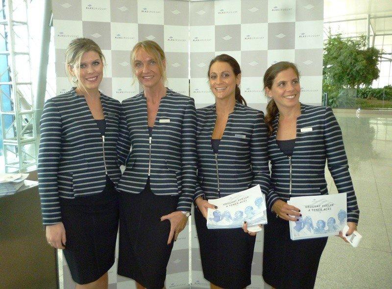 Staff de Alas Uruguay en el lanzamiento oficial de la aerolínea, el año pasado.