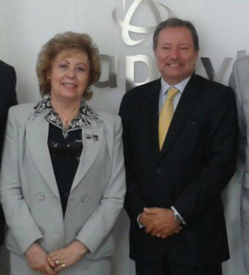 Los presidentes de Fetave y APAVT, Mª Cruz Pérez Valdivielso y Pedro Costa Ferreiro.