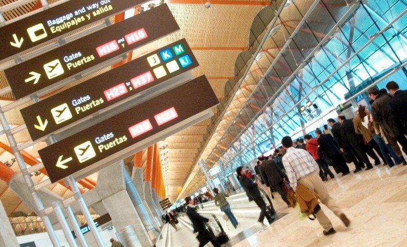 Los aeropuertos españoles acumulan un tráfico de 93 M de pasajeros en el primer semestre