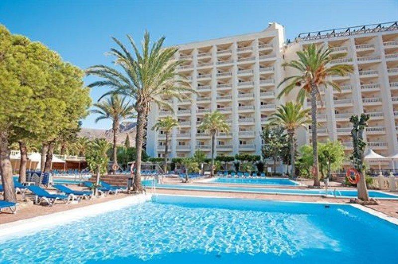 Suspenden la subasta del hotel Portomagno al saldar la deuda la propiedad
