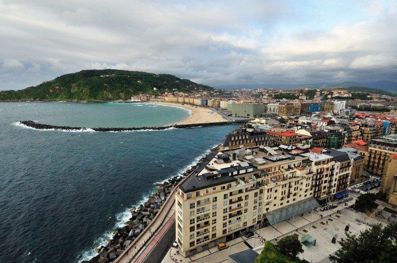 San Sebastián, con 189 euros de media, sigue siendo la ciudad más cara en la que alojarse, según Trivago. #shu#