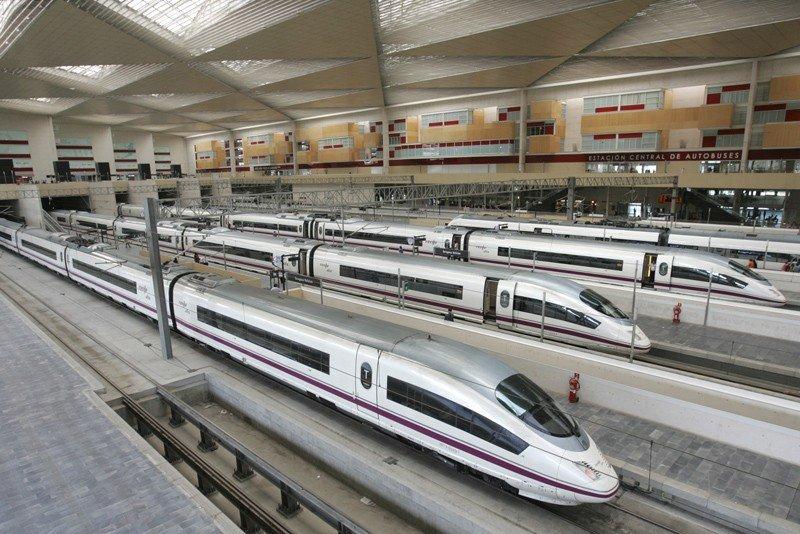 Renfe licitará la compra de nuevos trenes AVE por 1.100 M € en septiembre